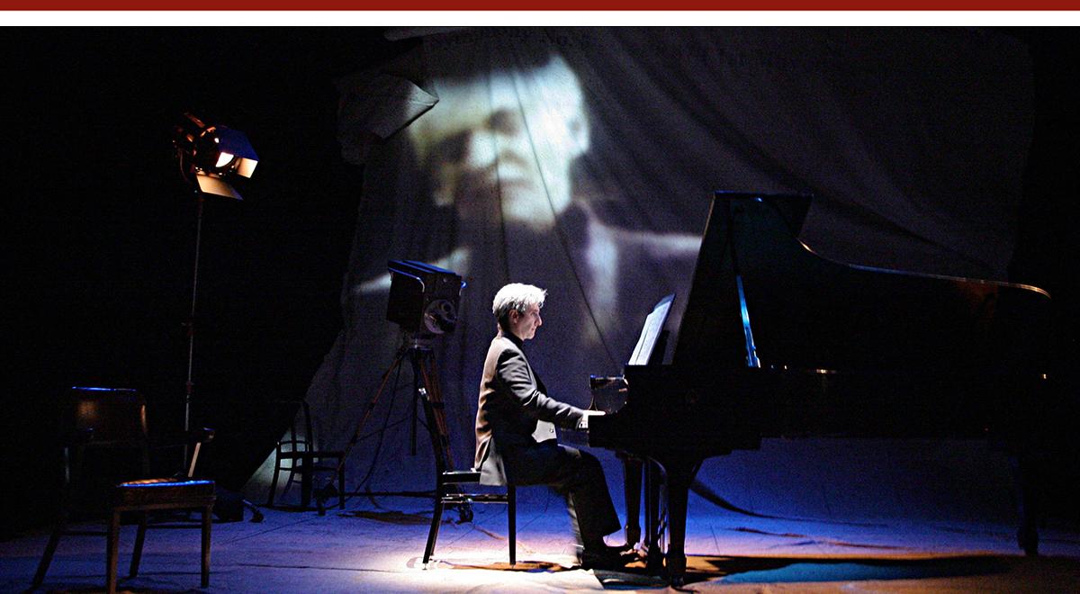 Hershey Felder in 'Maestro - the Art of Leonard Bernstein' at the Geffen Playhouse. Photo by Michael Lamont