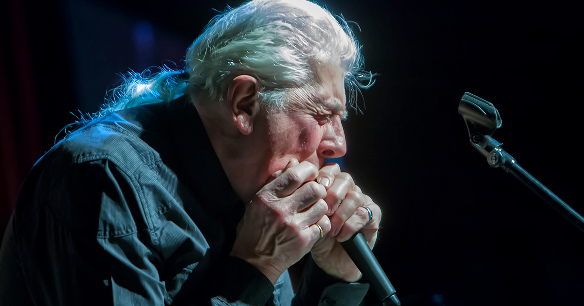 John mayalls blues theatertimes britains blues man john mayall photo by arnie goodman publicscrutiny Images