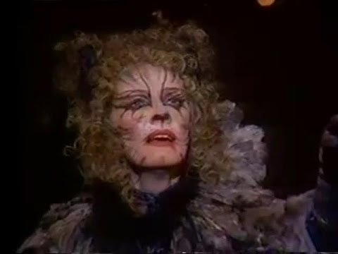 Betty Buckley as Grizelda in 'Cats'
