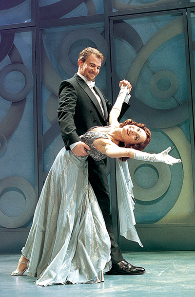 Douglas Sills and Nike Doukas in ''Much Ado About Nothing' at South Coast Repertory in 2001.