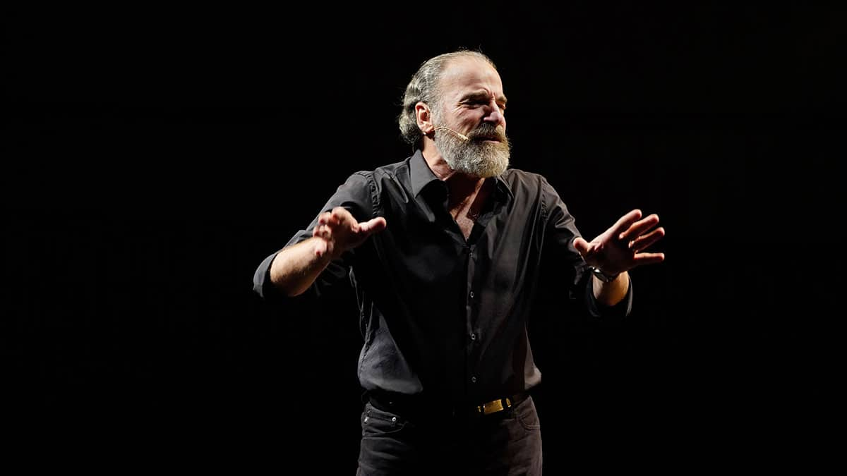 "Mandy Patinkin in ""Diaries,"" photo by Joan Marcus"